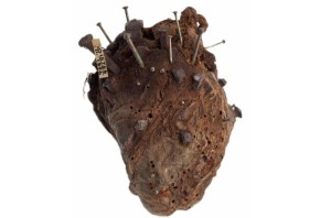 Sheep heart amulet in the Lovett collection (source The Wellcome Collection)
